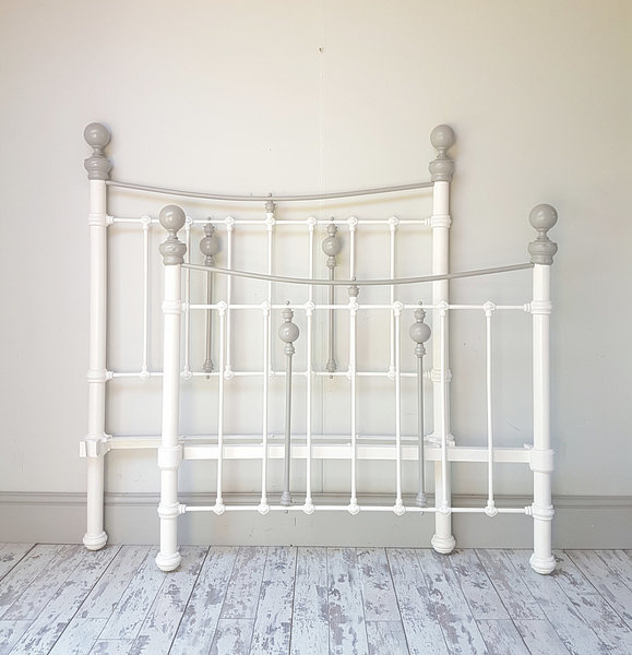 Victorian Antique Cast Iron Bed Frame Vinterior