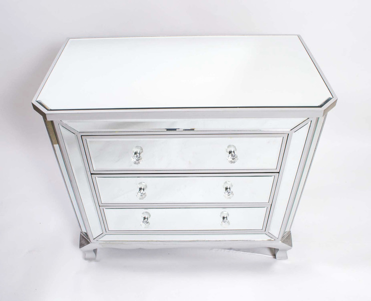 Elegant Art Deco Style Mirrored Chest Of Drawers photo 1