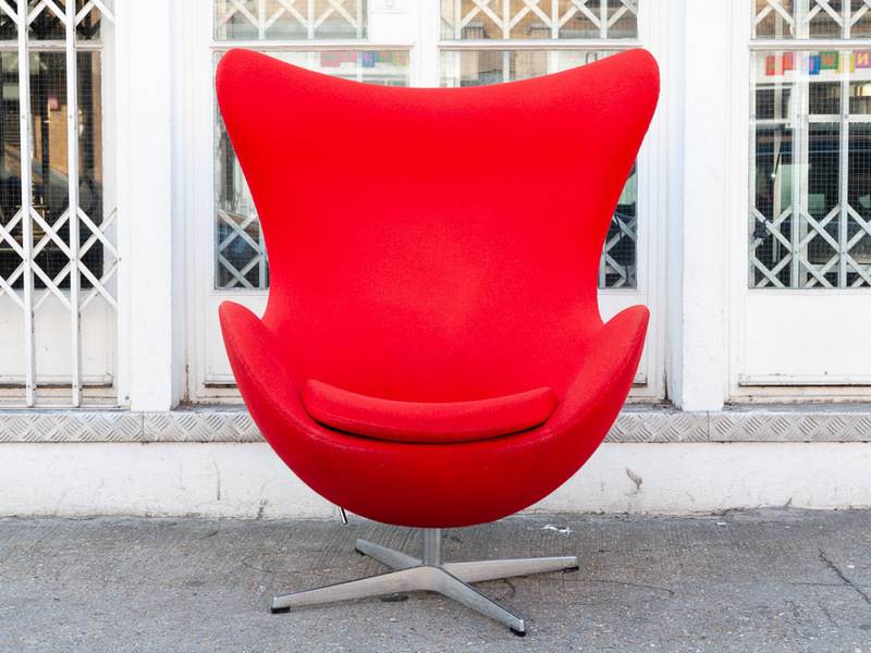 Danish Arne Jacobsen For Fritz Hansen Swivel Egg Chair In Kvadrat Tonus Red Arne Jacobsen Fritz Hansen Vinterior