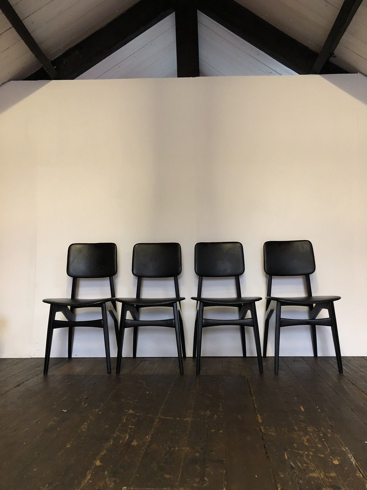 Vintage Mid Century Set Of 4 Black Dining Chairs Danish Design Mcm Italian Modern