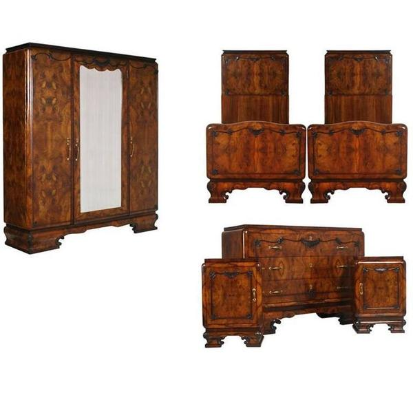 1920s Italian Art Deco Bedroom Set In Walnut And Burl Walnut By Meroni Fossati Meroni Fossati Vinterior