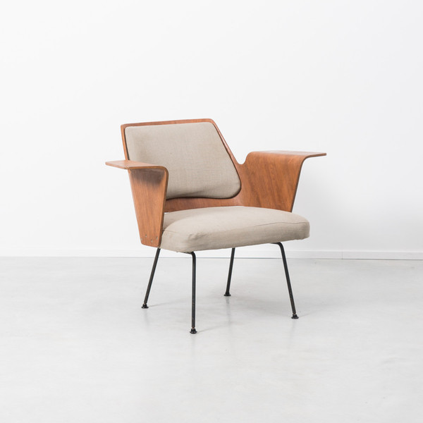 Robin Day Royal Model 700 Chair
