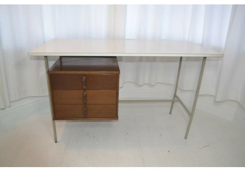 Stunning Vintage Rare Knoll Drake Desk 1950s