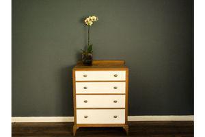 Thumb oak chest of drawers 1980 0