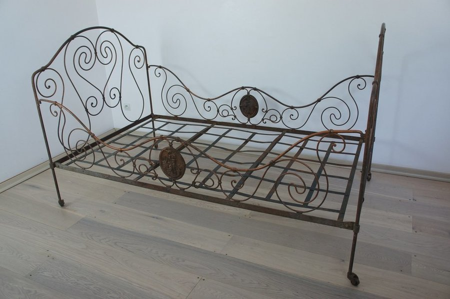 Vintage French Wrought Iron Bronze Bed/Day Bed