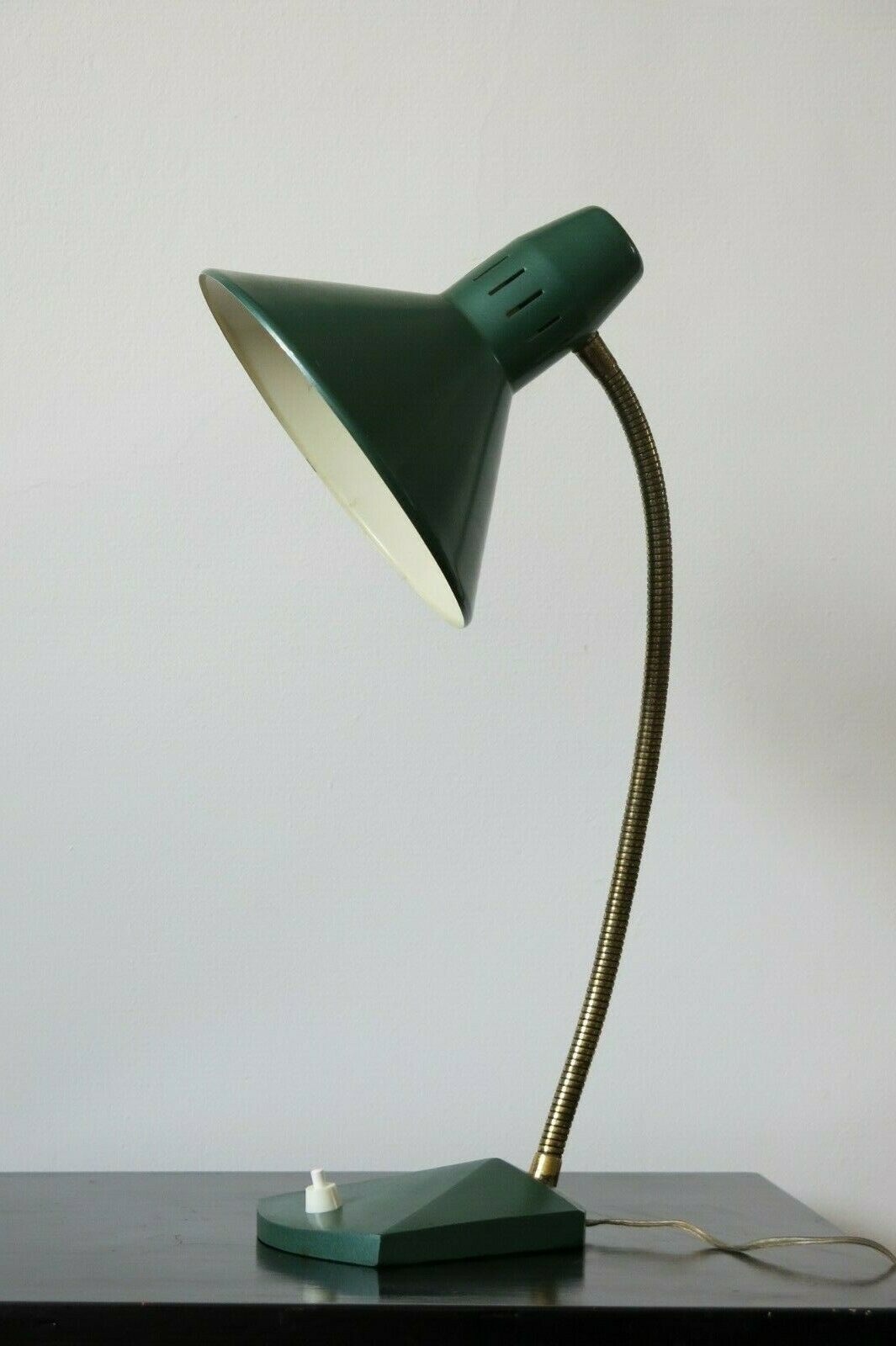 Image of: Vintage Mid Century Modern Dark Green Desk Lamp Vinterior