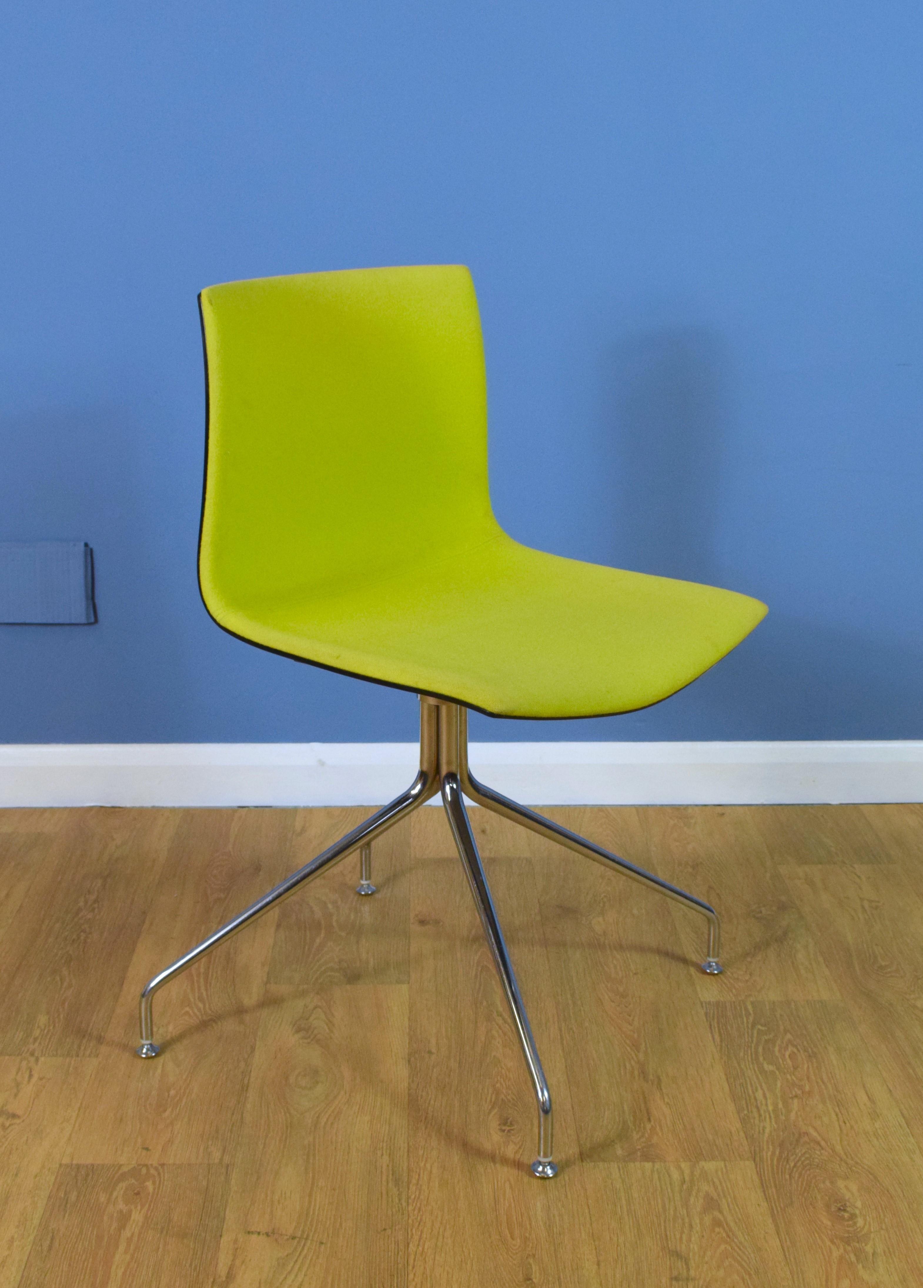 Picture of: Mid Century Retro Italian Lime Green Swivel Office Chair Arper Catifa Type 46 Arper Vinterior