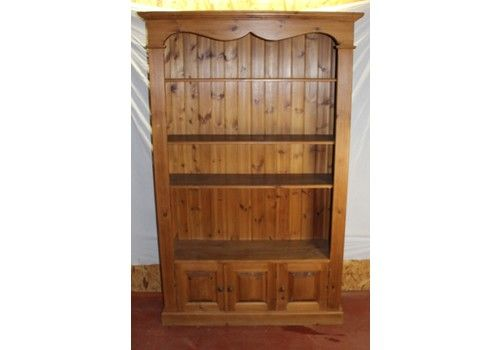 1960s Vintage Pine Open Bookshelves With 3 Cupboards At The Base
