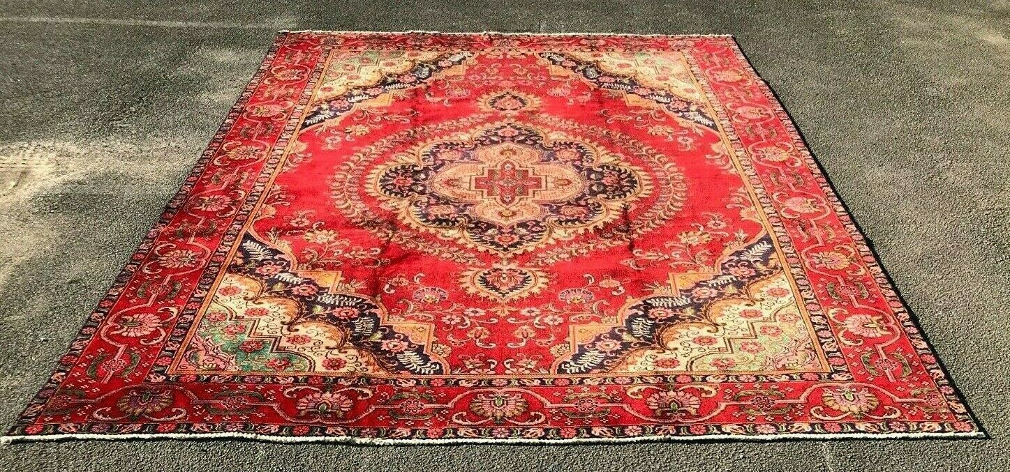 Wool Hand Knotted Rug Carpet In Good