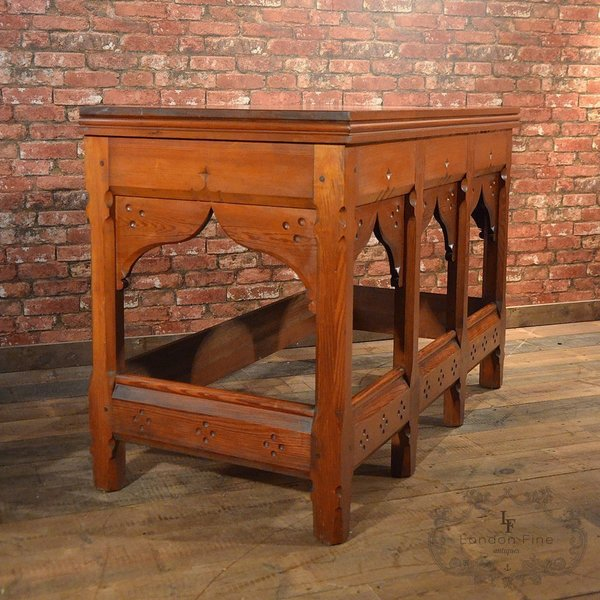 Arts & Crafts Serving Table