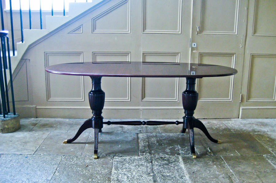 Beautiful Italian Oval Dining Table In The Style Of Paolo Buffa