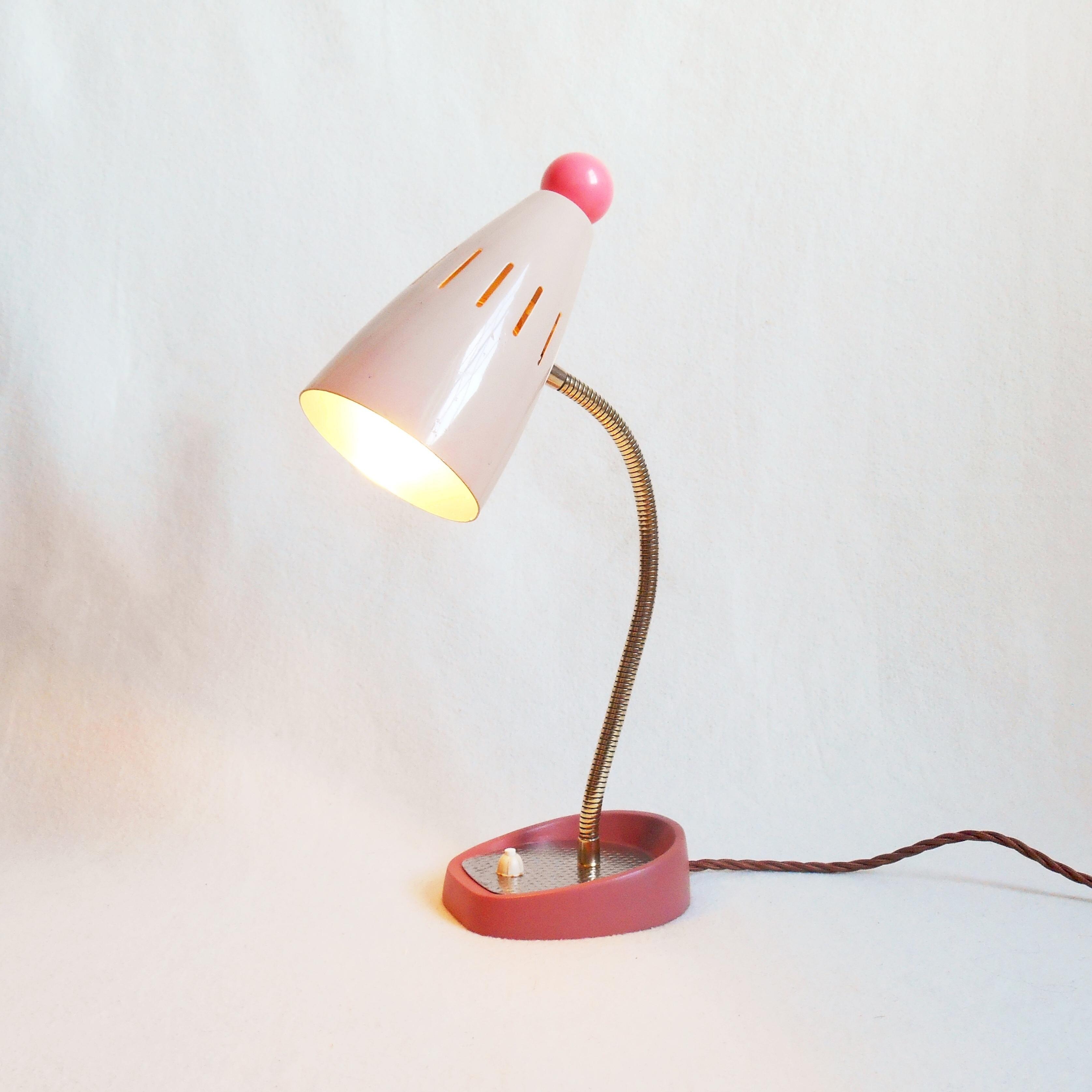 Image of: A Vintage Mid Century Desk Lamp Vinterior