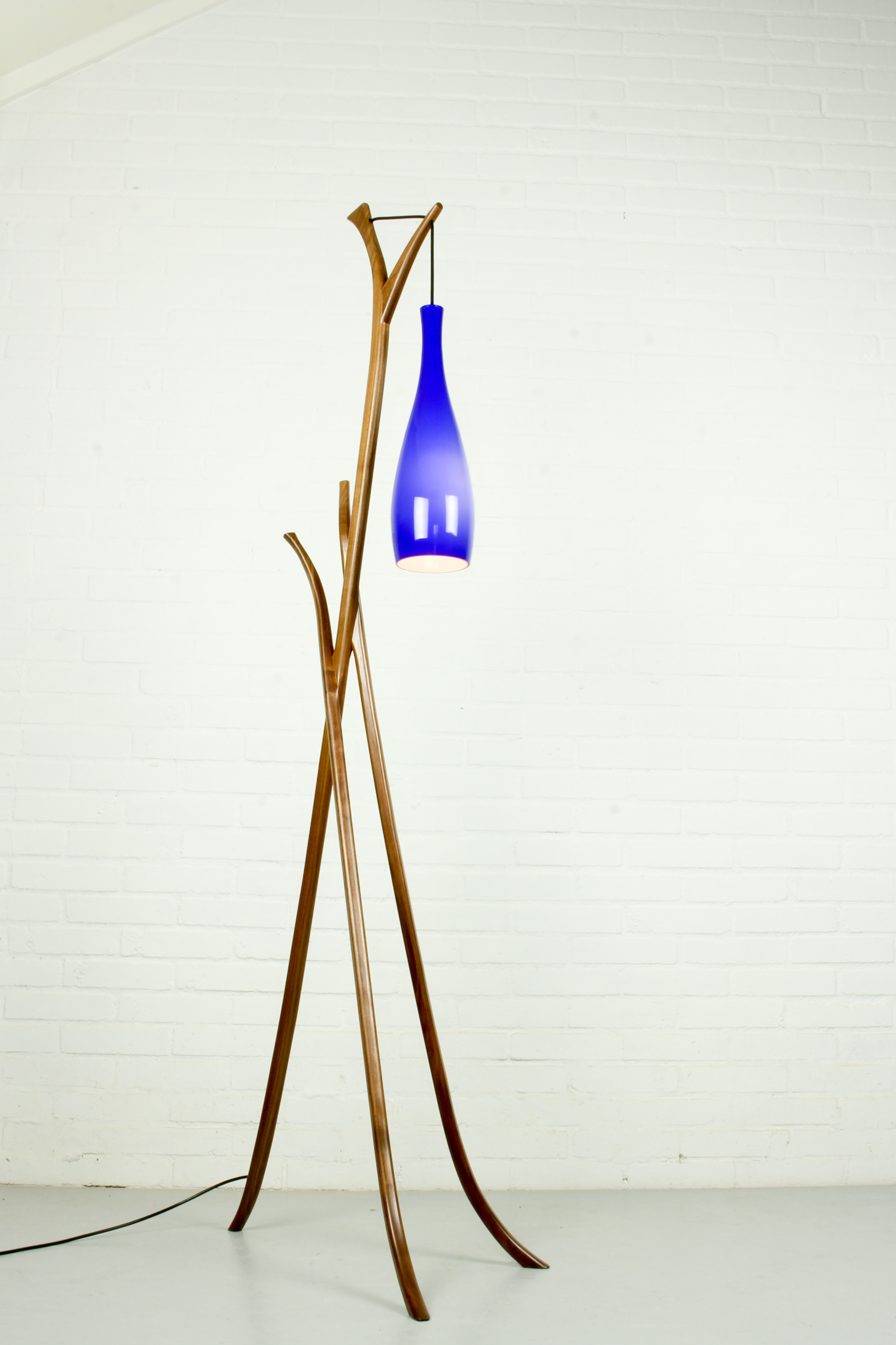 Image of: Mid Century Modern Floor Lamp With Blue Glass Lamp Shade Vinterior