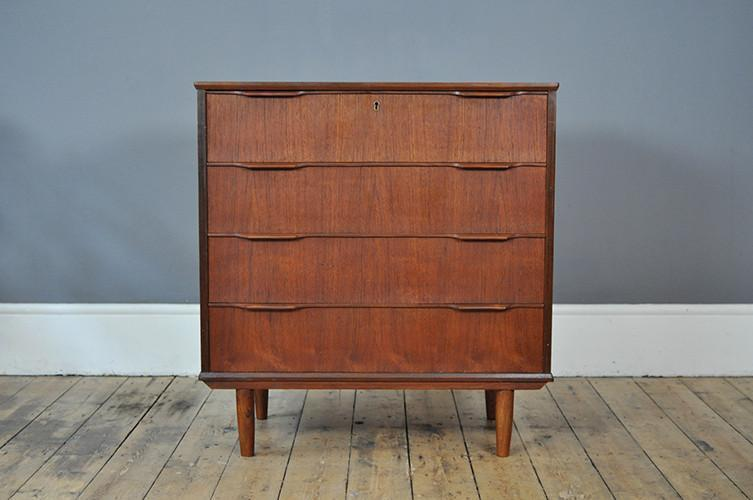 Danish Teak Chest Of Drawers With 4 Drawers photo 1