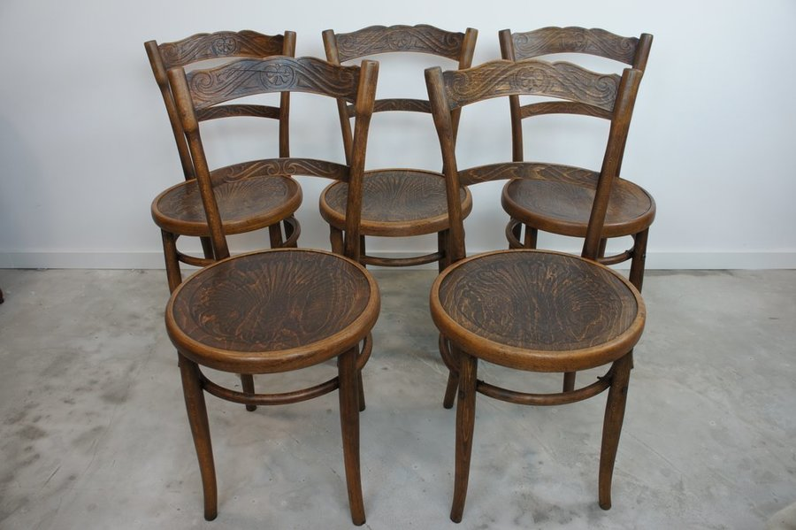 Decorative Set Of 5 Bentwood French Bistro Chairs