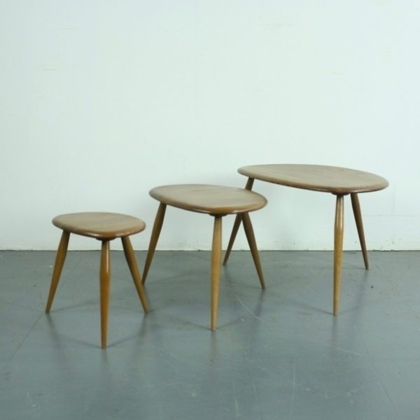 Ercol Nest Of Blonde Pebble Tables