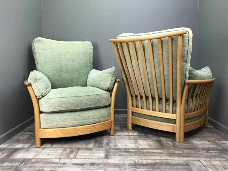Stunning Pair Of Ercol Renaissance Armchairs   Light Blonde Elm Chair Sofa Green
