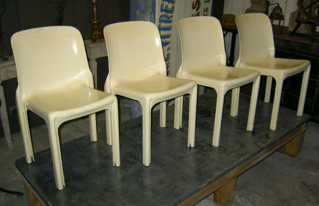 "Set Of 4 White ""Selene"" Chairs By Vico Magistretti. Stamped"