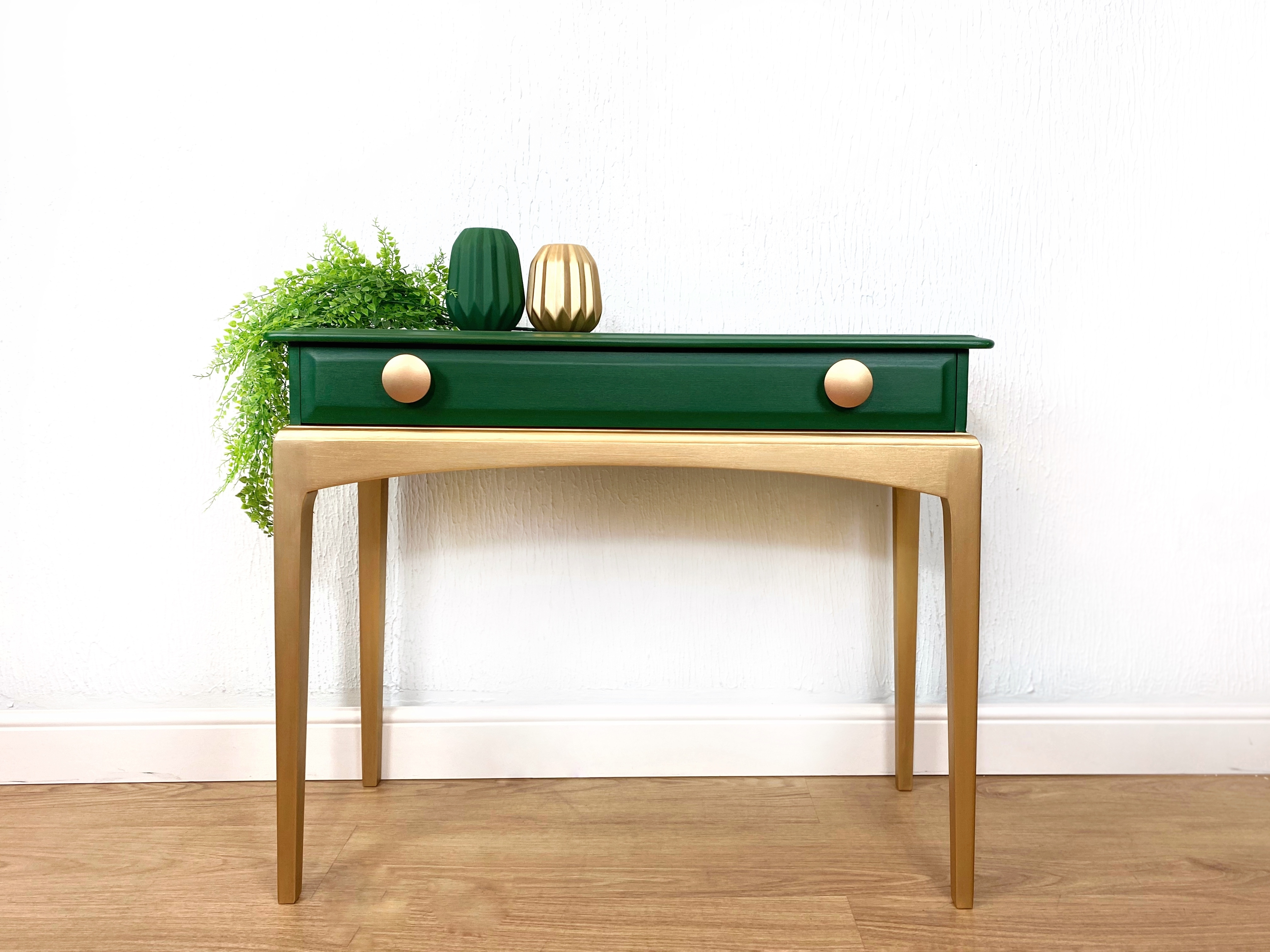 Stag Minstrel Console Table In Emerald Green Boho Painted Hallway Table Green Dressing Table Stag Minstrel Vinterior