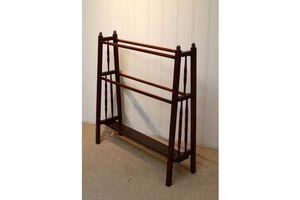 Thumb arts and crafts walnut towel rail 0