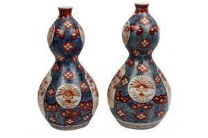 Thumb a pair of xix century imari double gourd vases 7809bc98 66c9 41db 842d c3de04e91e86 0