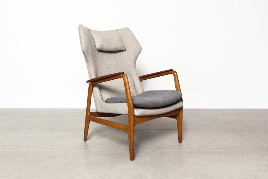 Bovenkamp Wing Back Chair photo 1