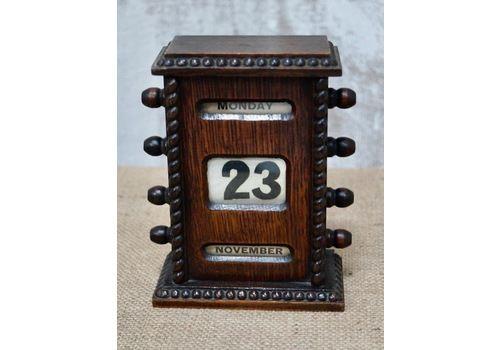Victorian Desk Top Mahogany Perpetual Calendar