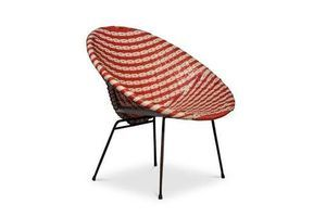 Thumb basket chair a rattan woven two tone cocktail chair in the style of dirk van sliedregt in a red and white colourway 0