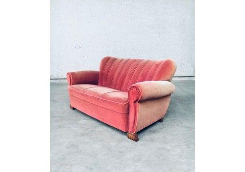 1930's Art Deco Shell Style 2 Seat Pink Velvet Sofa