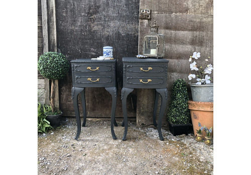Matching Pair Of Dramatic Black Ornate French Rococo Style Vintage Bedside Tables / Side Cabinets