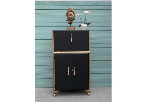 Drinks Cabinet / Cocktail Cabinet