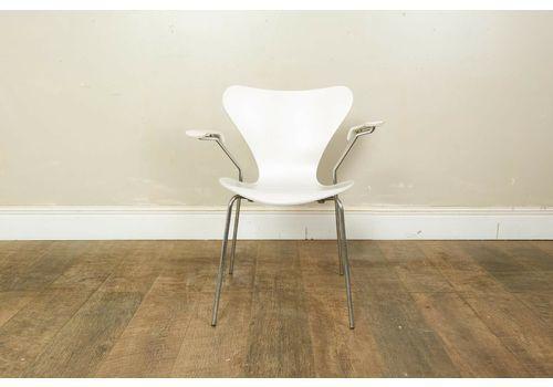 Retro Series 7 Chair Arne Jacobsen For Fritz Hansen   White