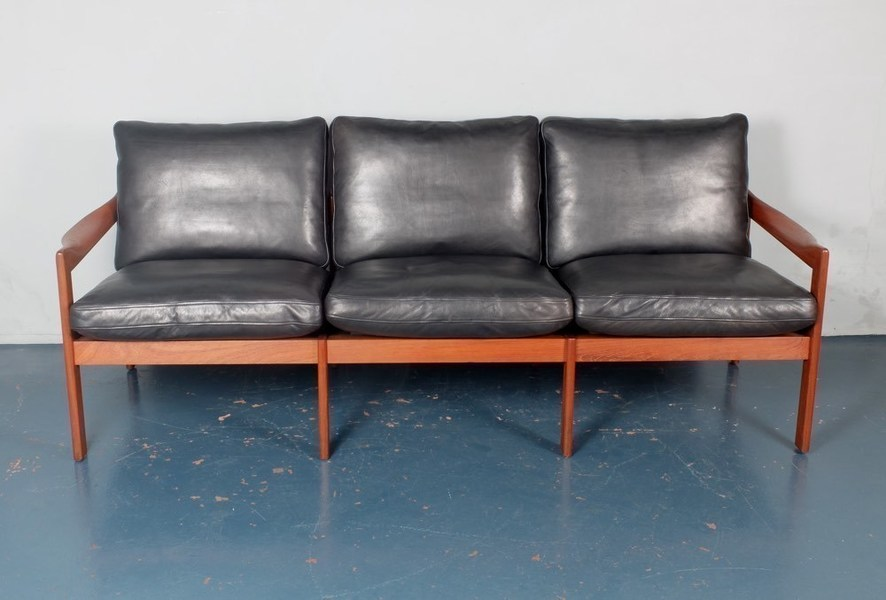 Illum Wikkelso For Eilersen Teak And Leather Sofa photo 1