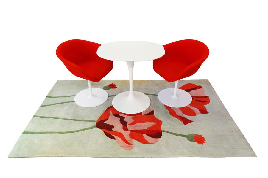 Eero Saarinen Knoll Studio Table 'Breakfast' Set Comprising Side Table, Chairs And Rug