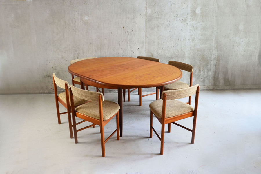 1970's G Plan Extendable Dining Set    Table And Six Chairs