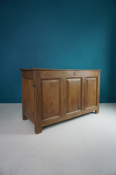 17th Century Welsh Oak Coffer