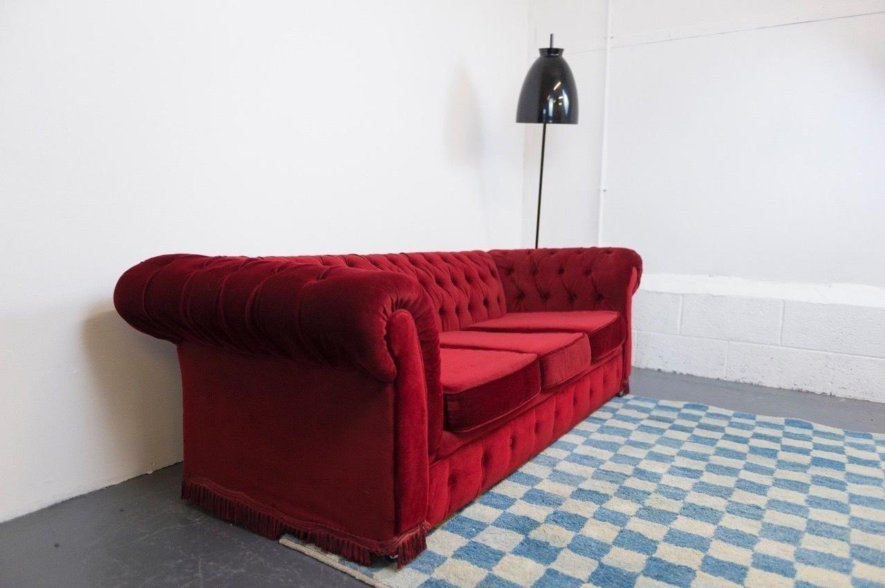Vintage Style Chesterfield Sofa In Red Velvet